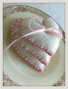 Wedding Favors Felt Hearts Fall Winter Weddings by LollysCubbyHole, $48.00