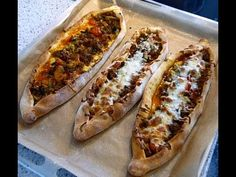 Pide with Ground Beef (Recipe) Czech Recipes, Turkish Recipes, Food To Go, Food And Drink, Pide Bread, Sweets Recipes, Cooking Recipes, Seekh Kebab Recipes, Fried Bread Recipe