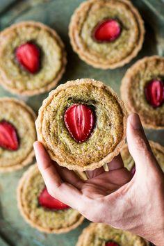 vegan pistachio frangipane tarts