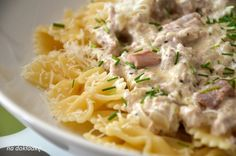 pasta with tuna in a cream sauce - Jedzenie - Makaron Tuna Pasta, Polish Recipes, Penne, Risotto, Potato Salad, Macaroni And Cheese, Nom Nom, Spaghetti, Food And Drink
