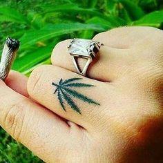 #weedgirls #girlswhosmoke #weed   #hash #smoker #smoke #smokeweedeveryday  #labicraverie #joint #beuh   #marijuana #maryjane   #cannabis #indica #sativa