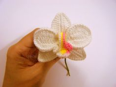 Youtube tutorial: How to crochet an orchid | Part 1 by Mary J Handmade