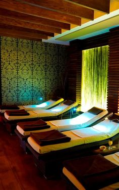 Relaxation beds in the Spa