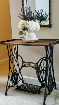 Singer Sewing Table Repurpose For In Home Ideas Repurposed Furniture Home ideas Repurpose sewing Singer Table Singer Table, Singer Sewing Tables, Antique Sewing Machine Table, Antique Sewing Machines, Antique Decor, Vintage Decor, Vintage Table, Vintage Ideas, Antique Sofa