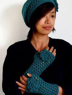 Crochet Fingerless Gloves & Matching Hat free pattern.