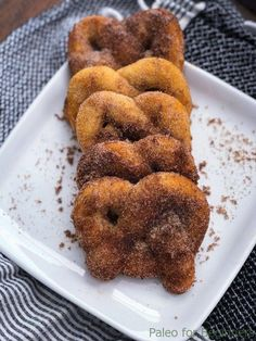 Keto Cinnamon Pretzels (Fat Head Dough) - Butter Together Kitchen - Soft, chewy, low carb and full of flavor! These Keto Cinnamon Pretzels are the perfect snack, espec - Keto Foods, Keto Snacks, Healthy Appetizers, Diabetic Snacks, Party Snacks, Paleo Meals, Paleo Food, Vegetarian Cooking, Low Carb Desserts