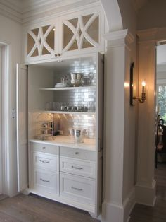 Kitchen Organization - Design Chic - love the bar - great backsplash - Home Decorating Inspiration Home Bar Designs, Kitchen Designs, Butler Pantry, Bar Furniture, Furniture Dolly, Furniture Removal, Furniture Makeover, Trendy Home, Bars For Home