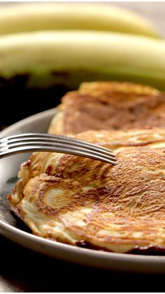Nutella Banana Pancakes You& had pancakes topped with banana and Nutella, but have you tried them stuffed? Pancakes Nutella, Banana Pancakes, Butter Pancakes, Souffle Pancakes, Fluffy Pancakes, Crepe Recipes, Brunch Recipes, Breakfast Recipes, Nutella Wallpaper