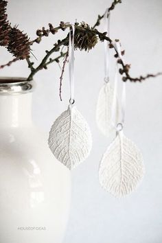 DIY leaf printed clay ornaments or jewlry Clay Christmas Decorations, Christmas Clay, All Things Christmas, Christmas Crafts, Christmas Ornaments, Xmas, White Ornaments, Holiday Decor, Diy Clay