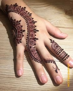 50 Most beautiful Engagement Mehndi Design (Engagement Henna Design) that you can apply on your Beautiful Hands and Body in daily life. Henna Tattoo Designs Simple, Finger Henna Designs, Henna Art Designs, Mehndi Designs For Girls, Mehndi Designs 2018, Mehndi Designs For Beginners, Modern Mehndi Designs, Mehndi Designs For Fingers, Mehndi Design Pictures