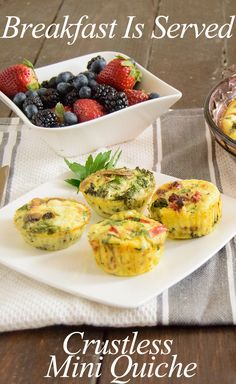 Easy healthy crustless quiche - low fat, high protein and gluten free! You can make it ahead of time for breakfast, brunch or dinner!