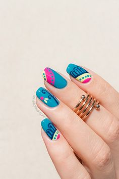 Teal Nails with Mediterranean print. Manicure details: http://sonailicious.com/teal-nails/