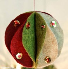 Come fare palline di natale in feltro | Tutorial Cucito Creativo