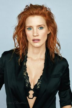 Jessica Chastain l Sexy Styles Beautiful Red Hair, Gorgeous Redhead, Jessica Chastain, Beautiful Celebrities, Beautiful Actresses, Des Femmes D Gitanes, Redhead Hairstyles, Red Hair Woman, Actress Jessica