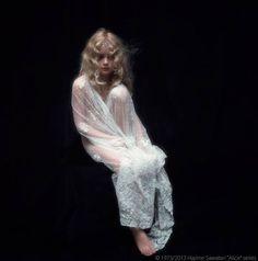 沢渡朔の写真展「少女アリス」東京&京都で開催 - 40年の時を経て蘇る不思議の国のアリスの写真2