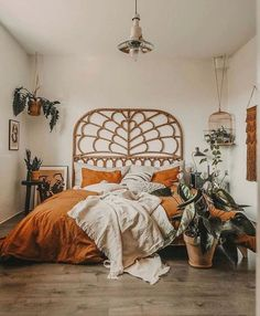 Image discovered by 𝓡𝓮𝓼𝓮. Find images and videos about cute, aesthetic and bed on We Heart It - the app to get lost in what you love. Aesthetic Room Decor, Room Ideas Bedroom, Interior, Bedroom Makeover, Bedroom Diy, Home Decor, Room Inspiration, Boho Bedroom Diy, Aesthetic Bedroom