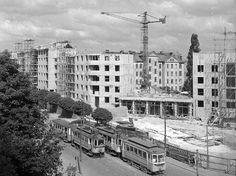 Rozestavěný takzvaný Černý dům architekta Ladislava Pospíšila z let 1958 až 1960 u křížení dnešní Masarykovy a Jeremenkovy ulice