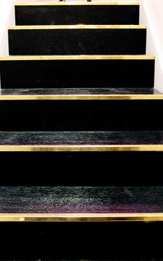 black and gold stairs Home Decor and Interior Design Ideas. Design and Style Inspiration for your home. Interior Stairs, Interior And Exterior, Architecture Details, Interior Architecture, Balustrades, Interior Decorating, Interior Design, Foyer Decorating, Decorating Blogs