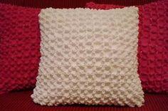 Como Fazer Almofada Decorativa   Esta almofada decorativa é linda e muito fácil de ser feita (Foto: geteasyfreshideas.com)