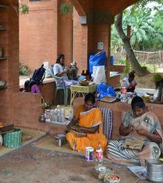 Wellpaper Weaving Workshop, Pondicherry - ZoomPondy.com (11-02-2015)