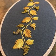 Most recent Snap Shots Embroidery Patterns on kurtis Suggestions Sticken Hand Embroidery Dress, Kurti Embroidery Design, Embroidery On Clothes, Embroidery Flowers Pattern, Embroidery Works, Simple Embroidery, Learn Embroidery, Hand Embroidery Stitches, Hand Embroidery Designs