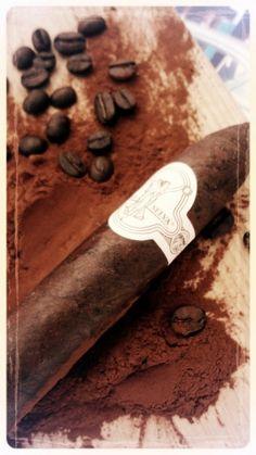 "Dégustation Belicoso N°15 de ""Flor de Selva"" ( 2014 ) http://cigare.skynetblogs.be/archive/2015/02/23/barocco-n-15-flor-de-selva-8390328.html"