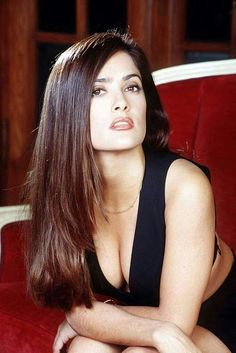 Look like Selma Hayek for one day. Salma Hayek Pictures, Selma Hayek, Actrices Sexy, Sexy Women, Celebrity Gallery, Celebrity Photos, Classic Beauty, Woman Crush, Most Beautiful Women