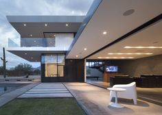 STAAB Residence / Chen + Suchart Studio #exterior #patio #living #lighting