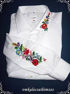 This is the Hungarian braided chain stitch in hand embroidery. It creates a thick braided line out of a reverse chain stitch basically but with a little difference. Hand Embroidery Videos, Hungarian Embroidery, Embroidery On Clothes, Learn Embroidery, Embroidery Patterns Free, Embroidered Clothes, Embroidery Fashion, Hand Embroidery Designs, Embroidery Dress