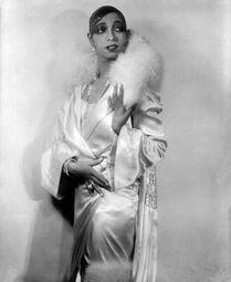 Josephine Baker Jazz Singer Dancer Paris Cabaret Art Deco Vintage Black and White Photography Photo Print Josephine Baker, Josephine Skriver, Women In History, Black History, Hollywood Glamour, Old Hollywood, Hollywood Style, 1920s Outfits, Foto Poster