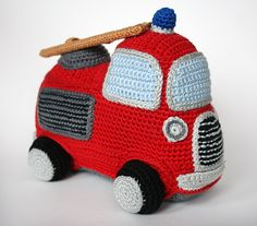 Fire engine amigurumi crochet pattern by Christel Krukkert