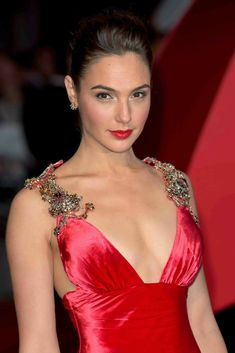 """Gal Gadot was a favorite with Prada satin dress with plunging neckline, in tune with the red carpet. The details: the precious stones on the shoulders. - there is a certain character in """"For Anastasia"""" Gal would be perfect for. Beautiful Celebrities, Beautiful Actresses, Gorgeous Women, Beautiful People, Gal Gardot, Gal Gadot Wonder Woman, Actrices Hollywood, Celebrity Stars, Hollywood Actresses"""