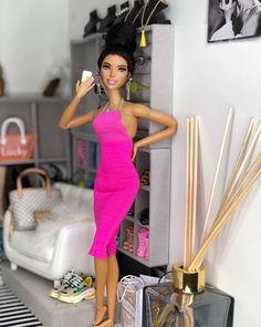Ooak Dolls, Barbie Dolls, Barbie Summer, Dolls House Shop, Fashion Dolls, Fashion Outfits, Beautiful Black Babies, Doll Home, Barbie Movies