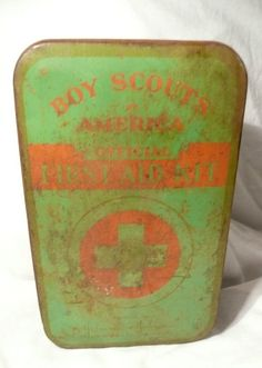 Vintage 1940's Official Boy Scouts First Aid Kit