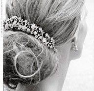 Sparkle inspiration | www.myLusciousLife.com - Beautiful bridal updo