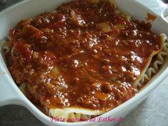 Une petite sauce à lasagne qui est simple à faire avec pas trop d'ingrédients et qui est bien bonne au goût! On peut l'utiliser aussi comme... Marinade Sauce, Pasta, Mets, Vinaigrette, Meatloaf, Lasagna, Macaroni, Barbecue, Recipes