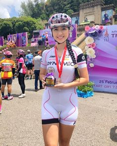 จบงานเเล้ว สนุกมากค่ะ Thai angel cycling ที่หาดใหญ่ Bicycle Women, Road Bike Women, Bicycle Girl, Sexy Asian Girls, Beautiful Asian Girls, Cycling Girls, Bike Style, Sporty Girls, Cycling Outfit