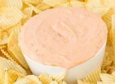 La meilleure recette facile de trempette pour les chips! Sauce Au Caramel, Guacamole Salsa, Chips, Homemade Teriyaki Sauce, Recipe For 4, Mayonnaise, Vanilla Cake, Tapas, Cheesecake