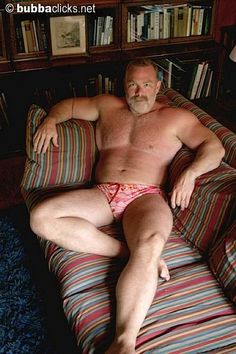 dad time for relax Muscle Bear Men, Muscle Men, Senior Bodybuilders, Up Fitness, Daddy Bear, Big Muscles, Hairy Chest, Mature Men, Older Men