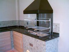 Com menos de 2 mil reais você compra uma churrasqueira com laterais de vidro. (Foto: Divulgação)