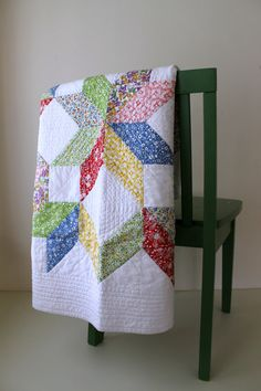 Spectacular Star Baby Quilt  Toybox Florals by GoldShoeGoods, http://www.goldshoegirl.com/2014/07/spectacular-star-quilt.html