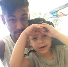 Neymar (with son David Lucca) Neymar Jr, Brazilian Soccer Players, Soccer Guys, Messi And Ronaldo, Daddy And Son, Best Player, Football Players, My Boys, Sons