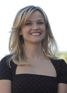 Reese Witherspoons gorgeous, blonde hairstyle