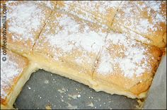 Napoleonka recipe - Polish custard cream pie made out of two layers of pastry filled with custard cream and often decorated with layer of icing sugar. Polish Desserts, Polish Recipes, Fun Desserts, Polish Food, Custard Slice, Vanilla Custard, Custard Recipes, Sweets Cake, Pastry Cake