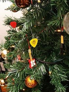 Office Christmas Party, Christmas Rock, Christmas Jingles, Disney Christmas, Elegant Christmas Trees, Christmas Tree Themes, Xmas Trees, Holiday Decorations, Rock N Roll