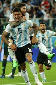 20180626 Nigeria 1-2 Argentina - Marcos Rojo & Lionel Messi (Photo Credit : Getty Images)