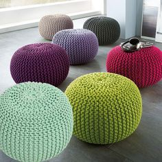 Super soft poufs made of knitted ribbon yarn. Cozy poufs for Knitted Cushion Pattern, Crochet Floor Cushion, Knitted Pouf, Knitted Cushions, Knitted Blankets, Chair Cushions, Knitting Projects, Crochet Projects, Knitting Patterns