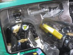Power-Rangers-Gaoranger-Wild-Force-Gao-King-Black-Bison-Megazord-Figure-Bandai