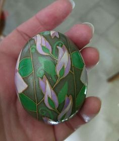 Carved Eggs, Easter Egg Designs, Brown Eggs, Ukrainian Easter Eggs, Newspaper Crafts, Egg Art, Egg Decorating, Quilling, Origami