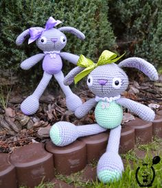 Rozalie the Bunnies no pattern. Site is in Polish  has a translator button